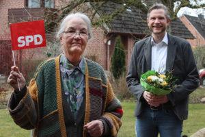 Marianne Kiecksee, Dirk Wehrmann gratuliert zum 90. Geburtstag